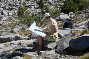 Fabs reading a map at Duck's Pass (USA)